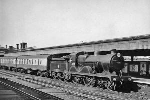 """Ashford Stopping Train"", By: Ben Brooksbank, Wikimedia Commons"